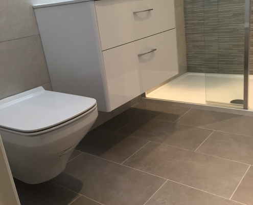 After image, ensuite project completed featuring wall hung toilet and wall hung basin unit. - Cleary Bathroom Design